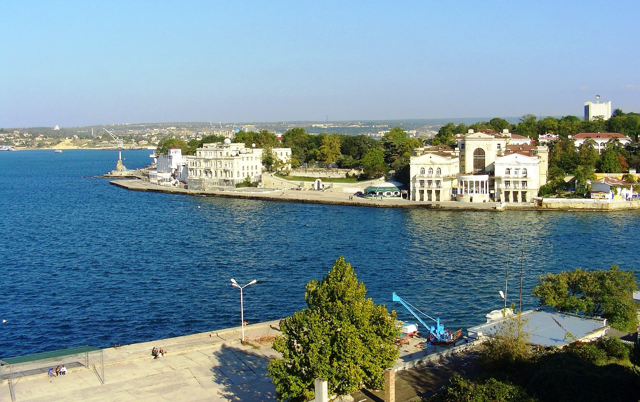 Севастополь посетили 180 тысяч туристов